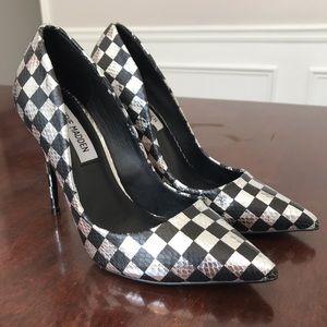 Steve Madden Checkered Daisie Pump Heels Size 6